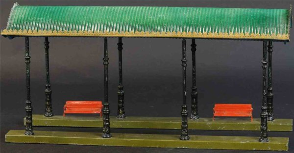 Maerklin Railway-Platforms Entrance hall #2061/53 with eight profile columns on two ped