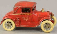 Arcade Cast-Iron fire trucks Fire chief coupe, red...