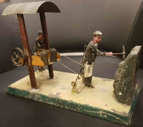Becker Steam Toys-Drive Models Coal mining station made of handpainted tinplate. It can eit